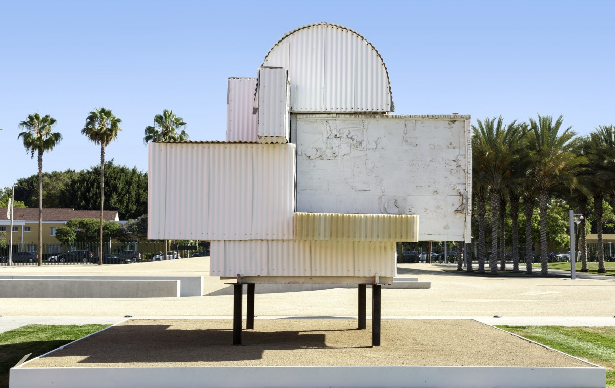 Image: Noah Purifoy, Ode to Frank Gehry, 1999, Noah Purifoy Foundation, photo © Museum Associates/LACMA