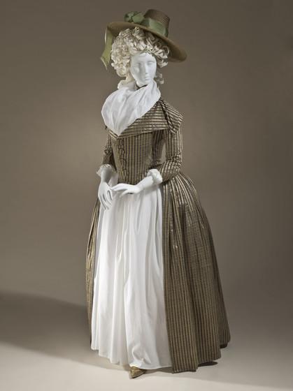 1790s redingote dress