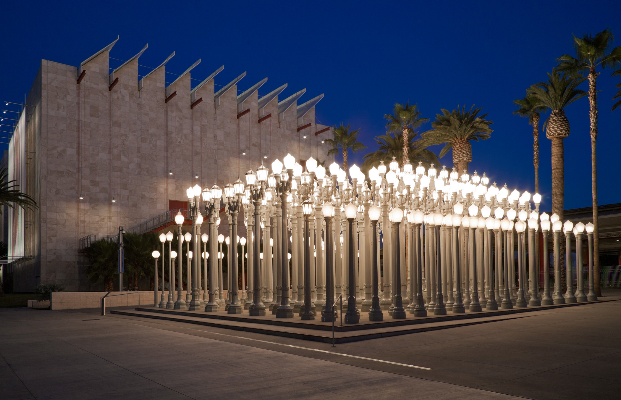 Chris Burden's Urban Light