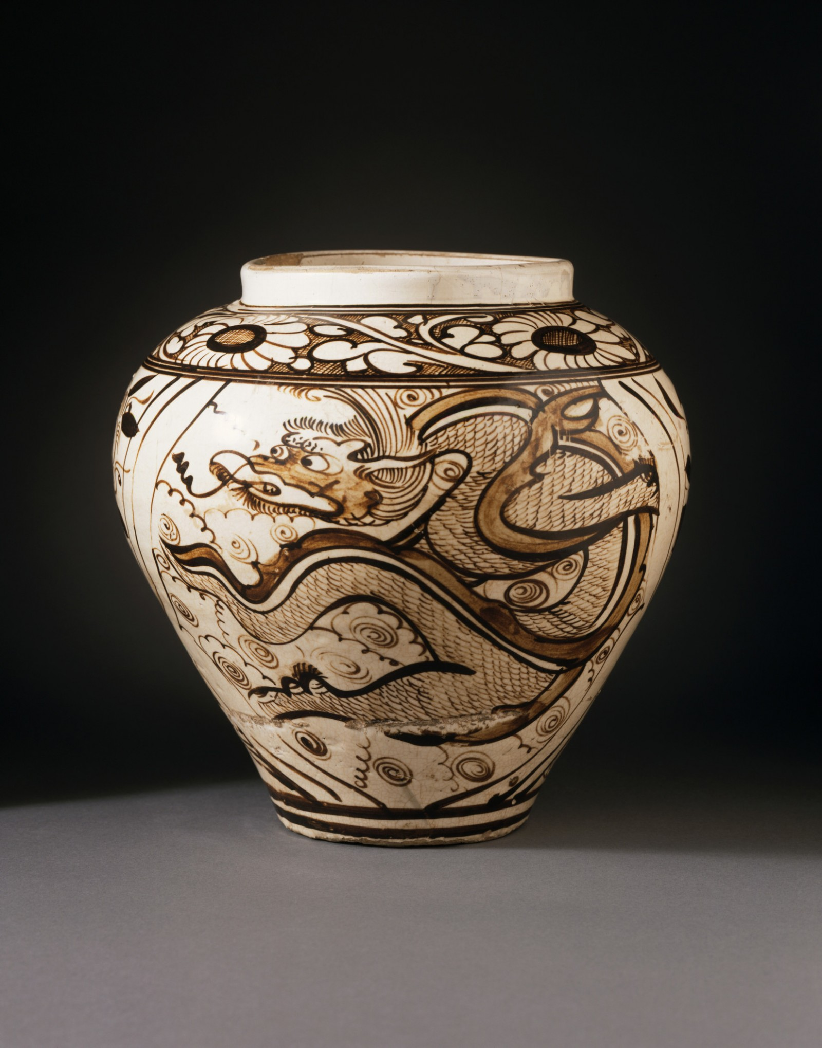 mage: Jar (Ping) with Dragon and Clouds, Yuan dynasty, 1279–1368, Los Angeles County Museum of Art, purchased with funds provided by Jack G. Kuhrts, photo © Museum Associates/LACMA.